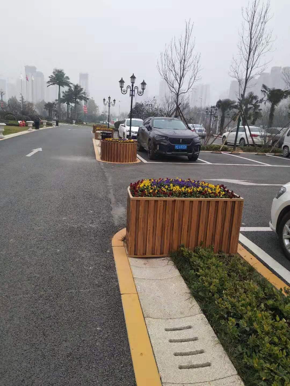 渭南铝合金木纹花箱走进渭南建国饭店高端定制!