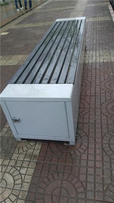西安浐灞生态区铁制环卫工具箱座椅